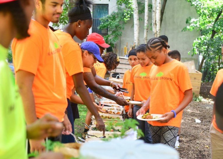 HarlemGrown kids eat the food the grow